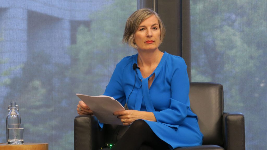 Jacqueline Thorpe moderates the Women and Investing event hosed by the Institute for Gender and the Economy