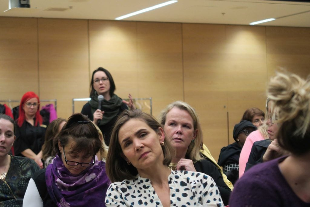 Audience members attend Robyn Doolittle event